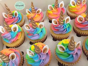 Cupcakes Unicornio Arcoiris - Cake by Dulcepastel.com