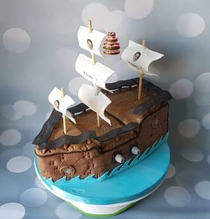 Pirate ship - Cake by Pluympjescake