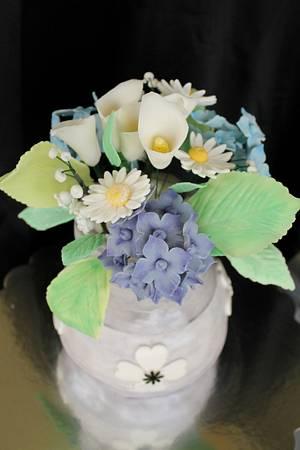 Flower vase cake - Cake by Samantha Corey