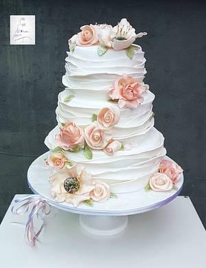 Ruffles and roses weddingcake - Cake by Judith-JEtaarten