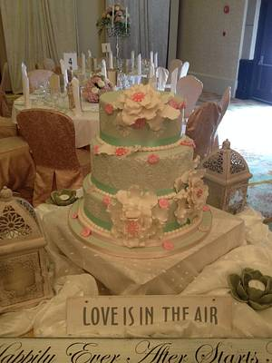 Maggie's wedding cake - Cake by Aine Cuddihy