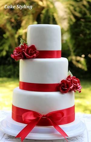 Red roses wedding cake - Cake by Cake Styling