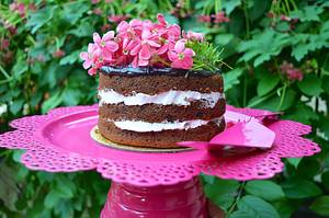 Naked cake with fresh flowers - Cake by Bake your dreamz by Malvika