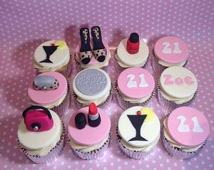 Girly themed cupcakes - Cake by Cupcake-Heaven
