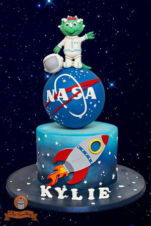 Astronaut-Triceratops Cake - Cake by The Sweetery - by Diana