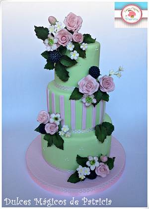 Roses wedding cake - Cake by Dulces Mágicos de Patricia