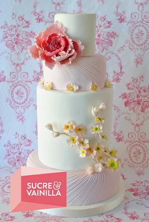Rose & White Wedding Cake - Cake by Viviana Zerneri