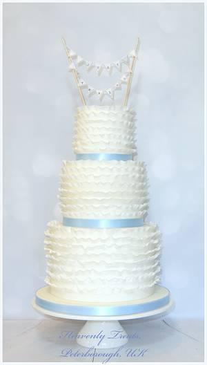 Ruffle wedding cake - Cake by Heavenly Treats by Lulu