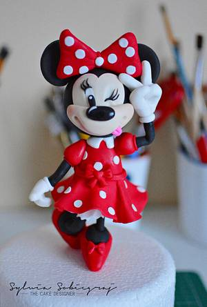 Minnie Mouse Cake Topper - Cake by Sylwia Sobiegraj The Cake Designer