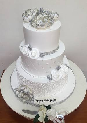 Gorgeous in White  - Cake by Michelle's Sweet Temptation