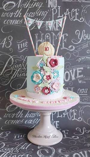 Vintage Chic Crochet Cake  - Cake by Wooden Heart Cakes