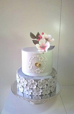 A little wedding with rings - Cake by Frufi