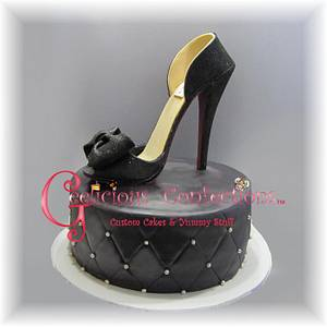 Simple Black Elegance - Cake by Geelicious Confections