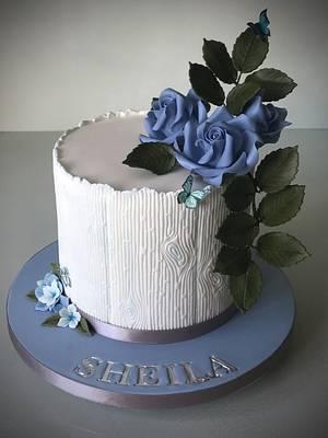 Pretty in Blue. - Cake by Lorraine Yarnold
