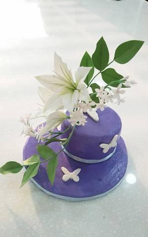 gumpaste flower - Cake by fantasticake by mihyun