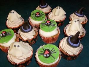 Hallowee Cupcakes - Cake by Pamela