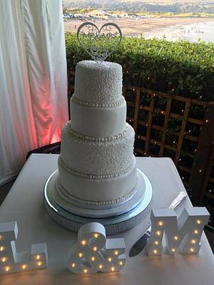 simple and sleek wedding cake - Cake by Witty Cakes