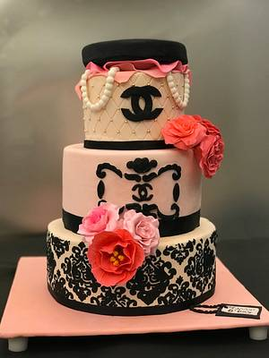 Chanel inspired cake - Cake by Meringue