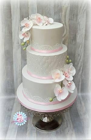 Weddingcake orchids - Cake by Sam & Nel's Taarten