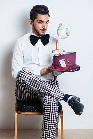 The Mad Hatter's Hat & The Gravity Defying Tea Pot  - Cake by Sahar Latheef