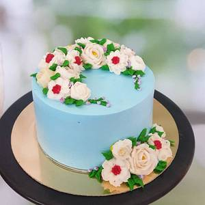 Floral blooms - Cake by Razia