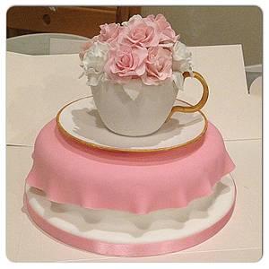 Teacup & Flowers cake - Cake by Janine Lister