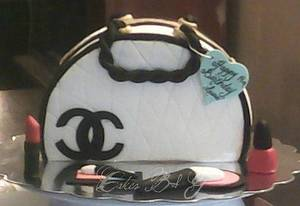 Chanel Purse Cake - Cake by Laura Barajas