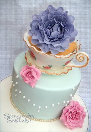 Edible Vintage Teacup Cake - Cake by Spongecakes Suzebakes
