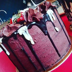 dripping cake - Cake by ANTONELLA VACCIANO