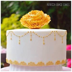 Vintage lace & gold - Cake by Rebecca Grace