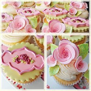 Vintage Rose Cupcakes - Cake by Princess of Persia