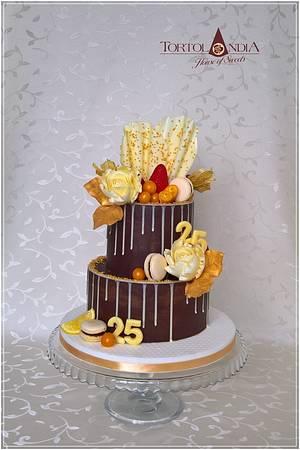 Ganache & gold birthday cake - Cake by Tortolandia