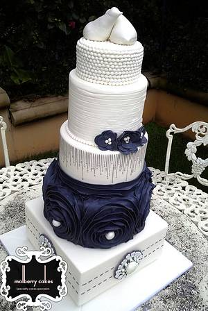 5 tier Classic Vintage Wedding Cake - Cake by Malberry Cakes