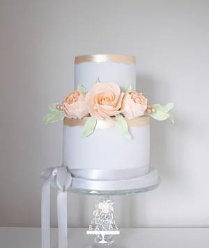 Delicate celebration cake - Cake by Sweet Alchemy Wedding Cakes