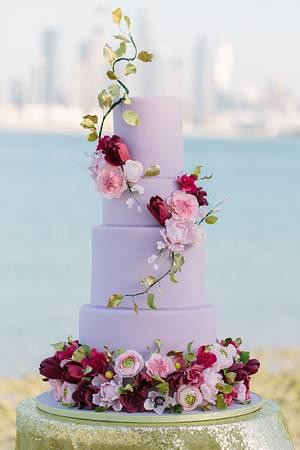 DUBAI Wedding Cake  - Cake by Sara & Soha Cakes - i.e. Gourmelicious