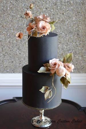 Blush sugar roses on black cake - Cake by Elisabeth Palatiello