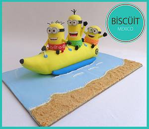 Minions Banana Boat - Sweet Summer Collab - Cake by BISCÜIT Mexico