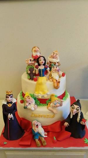 SnowWhite & Co. - Cake by BakeryLab