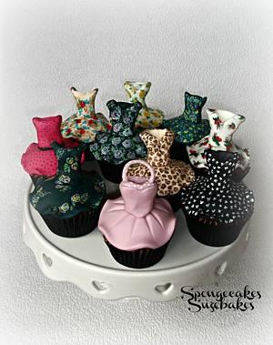 Vintage Dress Cupcakes! - Cake by Spongecakes Suzebakes