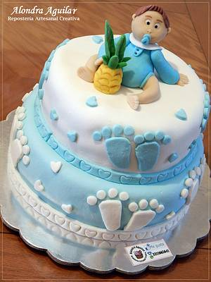 Baby's in the mood of pineapple - Cake by Alondra Aguilar