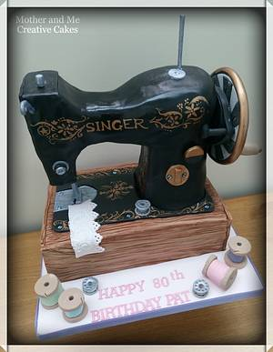 Sewing machine cake  - Cake by Mother and Me Creative Cakes