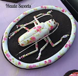 Porcelain Longhorn Beetle cookie - Cake by Hiromi Greer