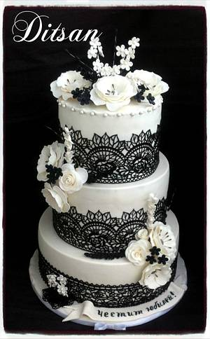 Black and white for 50th jubilee - Cake by Ditsan