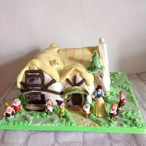Snow White cake - Cake by Cupcakestar