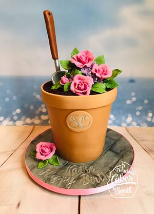 Summer Gardening  - Cake by De-licious Cakes by Sarah