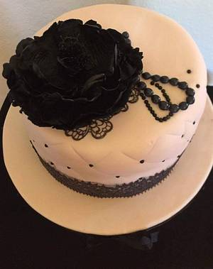 Pink and black peony cake - Cake by DulcesSuenosConil