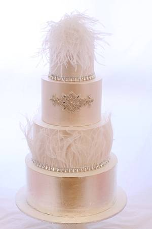 Feather Luxe - A 4 Tier Wedding Tale... - Cake by misscouture