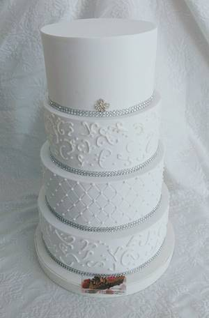 Wedding Cake - Cake by Lorena Gaudio