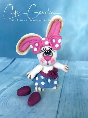 Hunny Bunny caketopper - Cake by Cake Garden