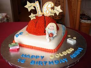 Sweet 16 Golden Birthday Cake - Cake by robin